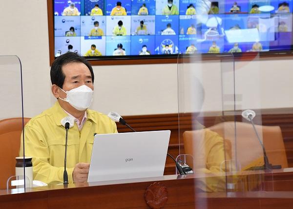 """정 총리 """"백신 접종 후 사망사례, 사인 명확히 규명해 투명 공개"""""""